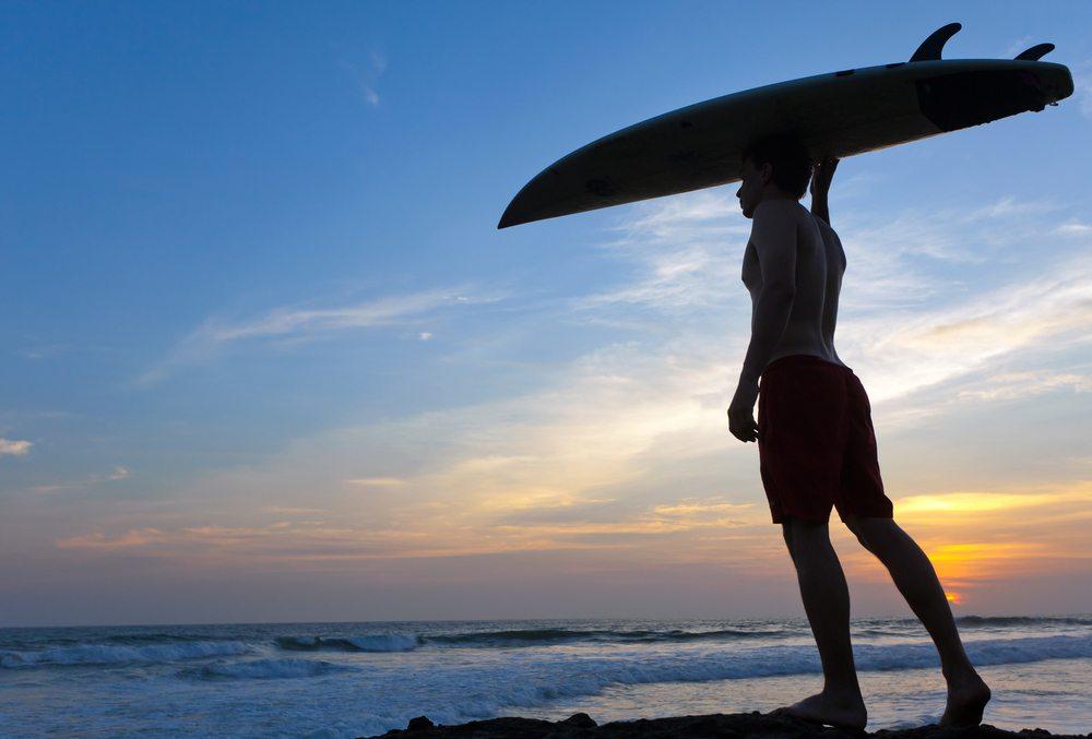 Surfování na Bali patří k nejoblíbenějším aktivitám
