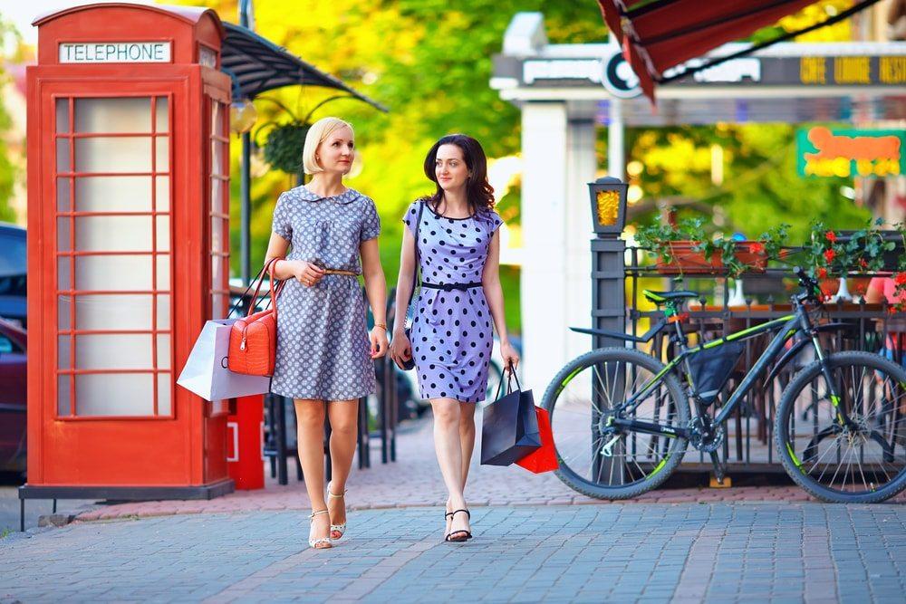 V Londýně koupíš velmi levné oblečení