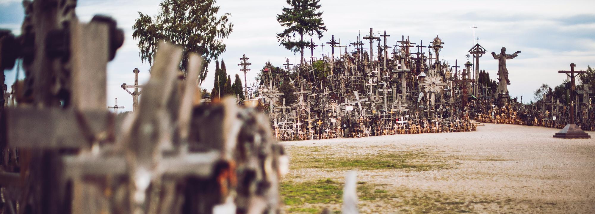 Hřibtov osázený křížy