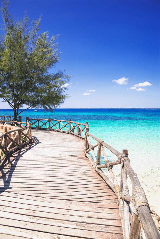 Dřevěné molo v Zanzibaru