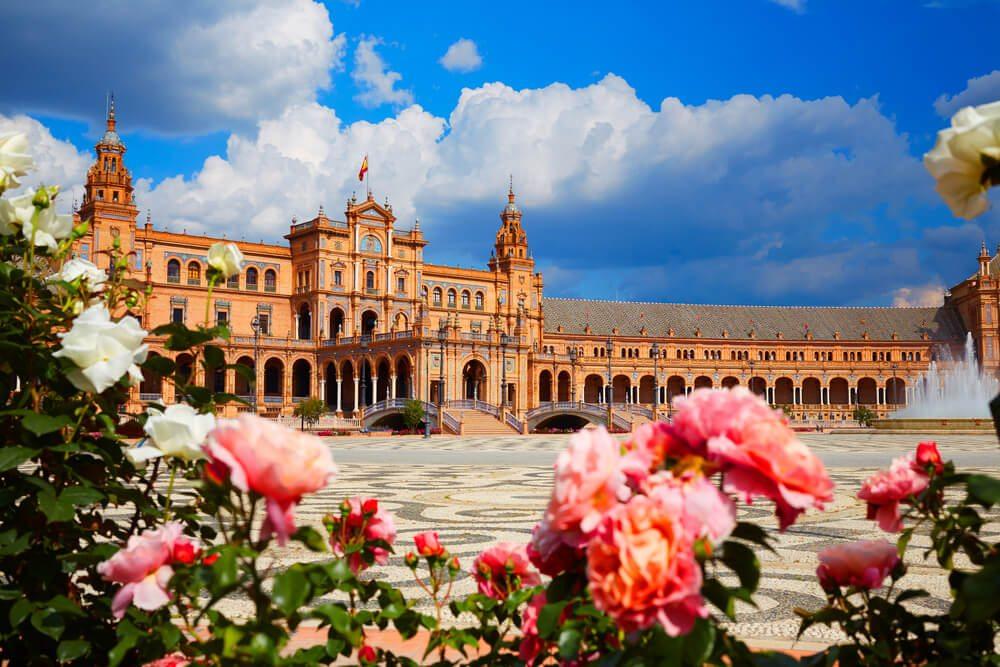 Náměstí v Seville.