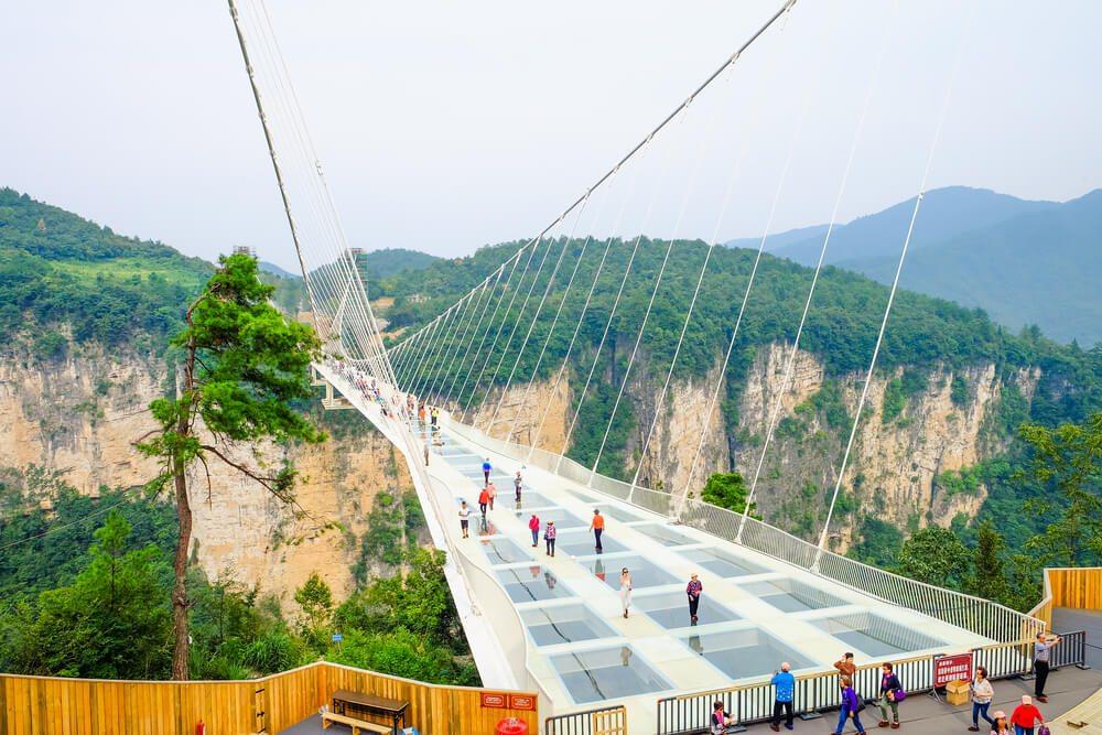 Prosklený most v Číně.