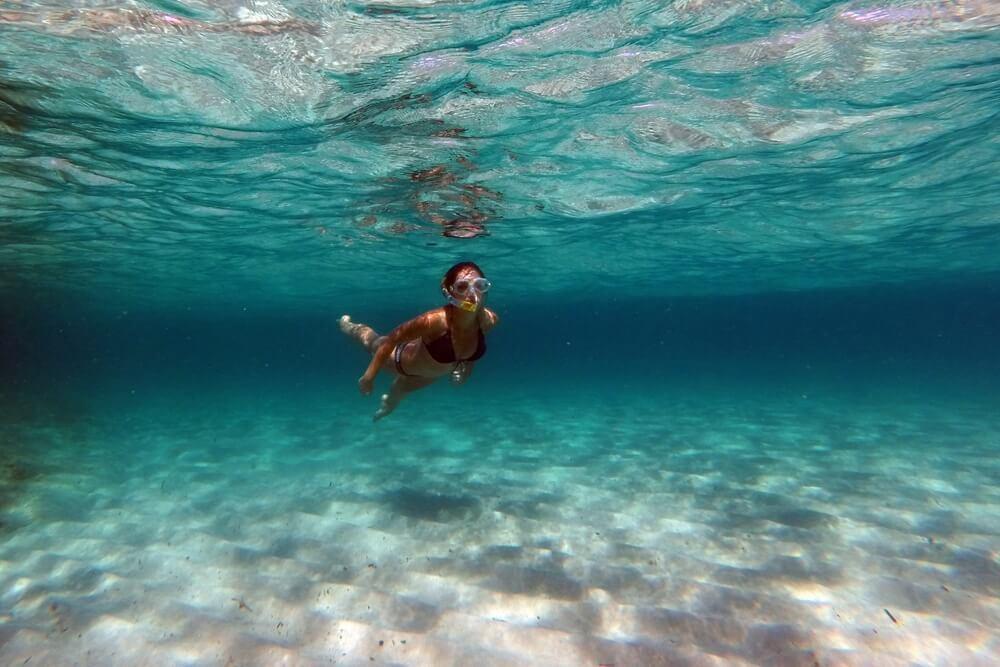 Žena, která se potápí.