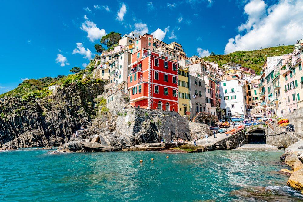 Domy na útesech v Riomaggiore.
