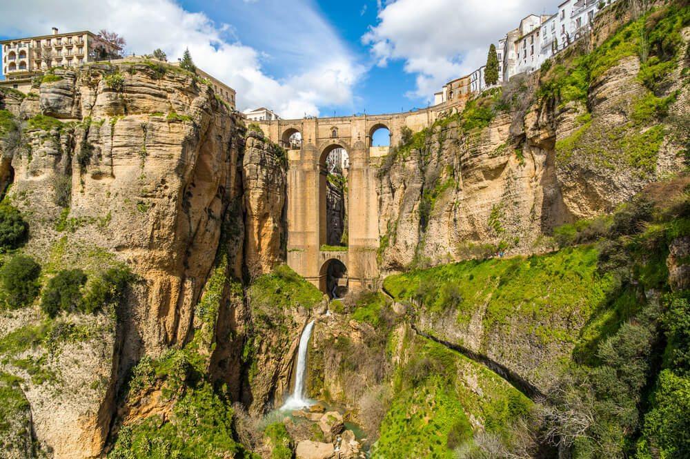 Most v místě Ronda.