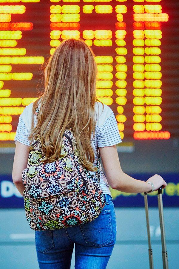 Studentka na letišti