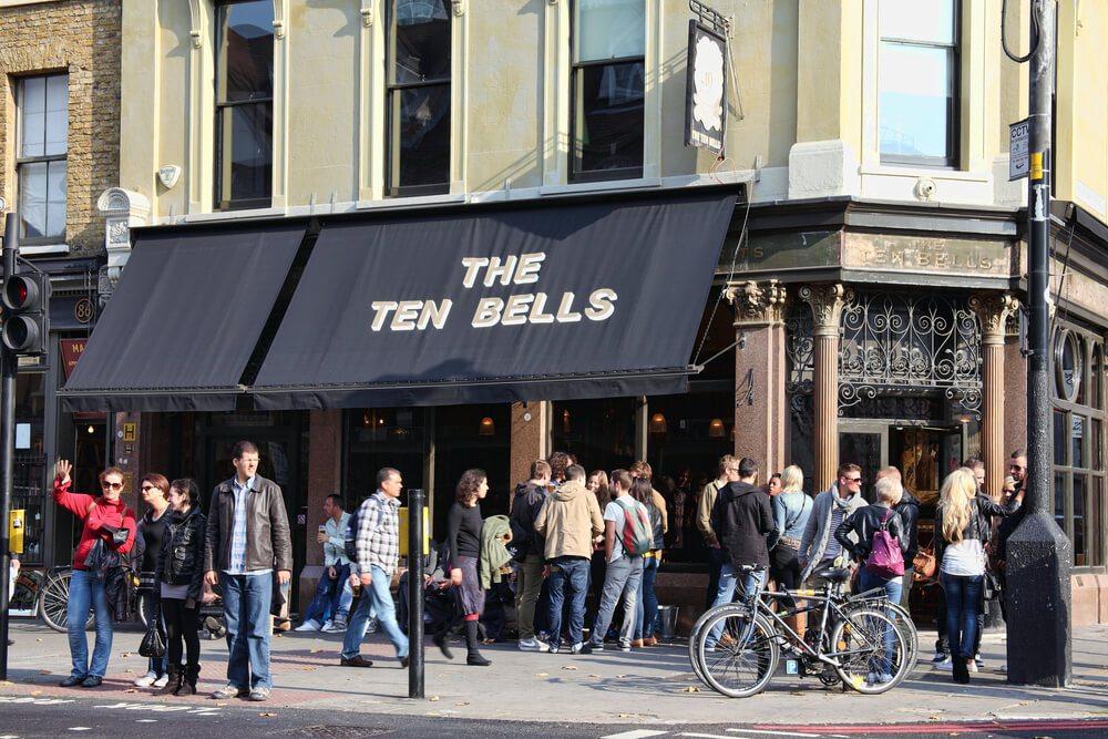 Bar The Ten Bells v Londýně.
