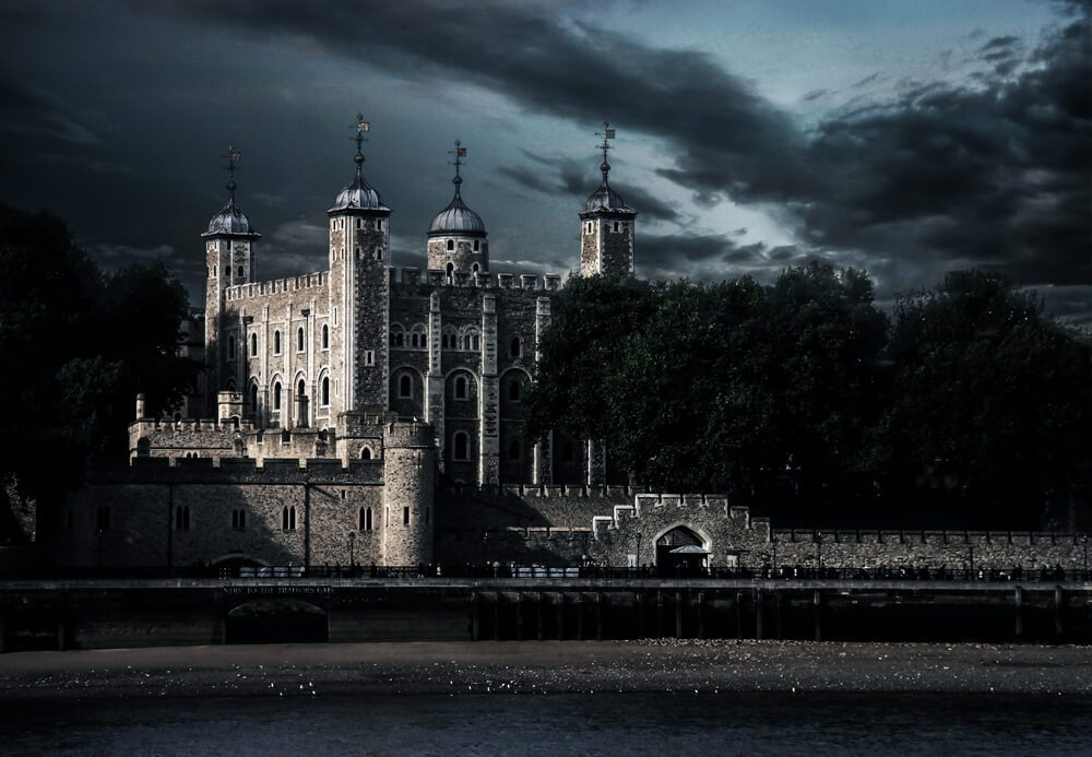 Tower of London v noci.
