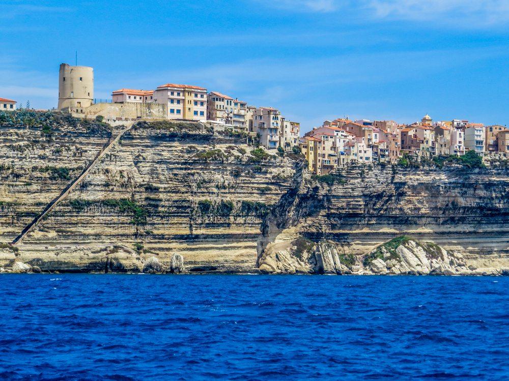 Město Bonifacio na Korsice