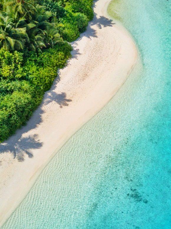 Maledivy z ptačí perspektivy