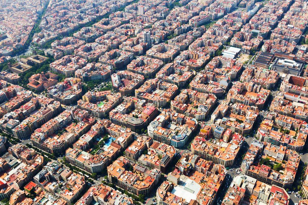 Pohled na Barcelonu z chrámu Sagrada Familia