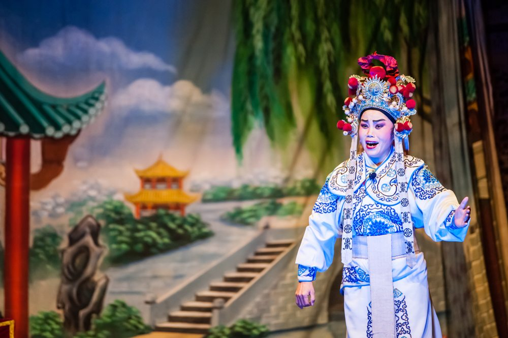 Operní čínský zpěvák během představení.