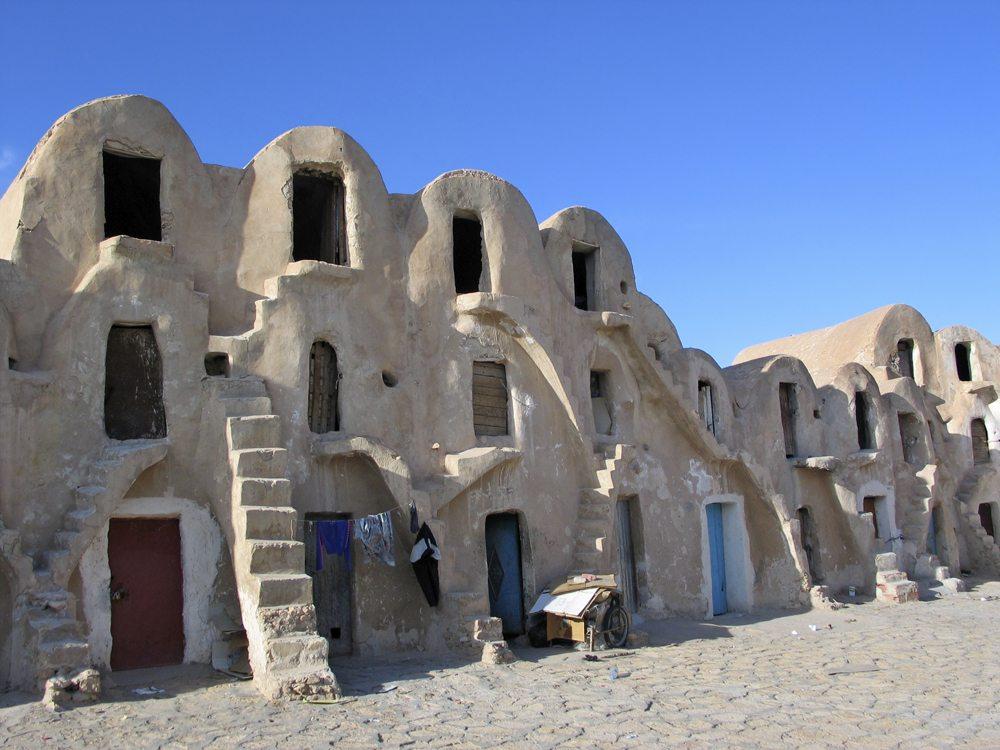 Berberské stavby ve městě Médenine.