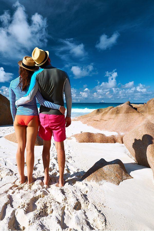 Pár na dovolené u moře