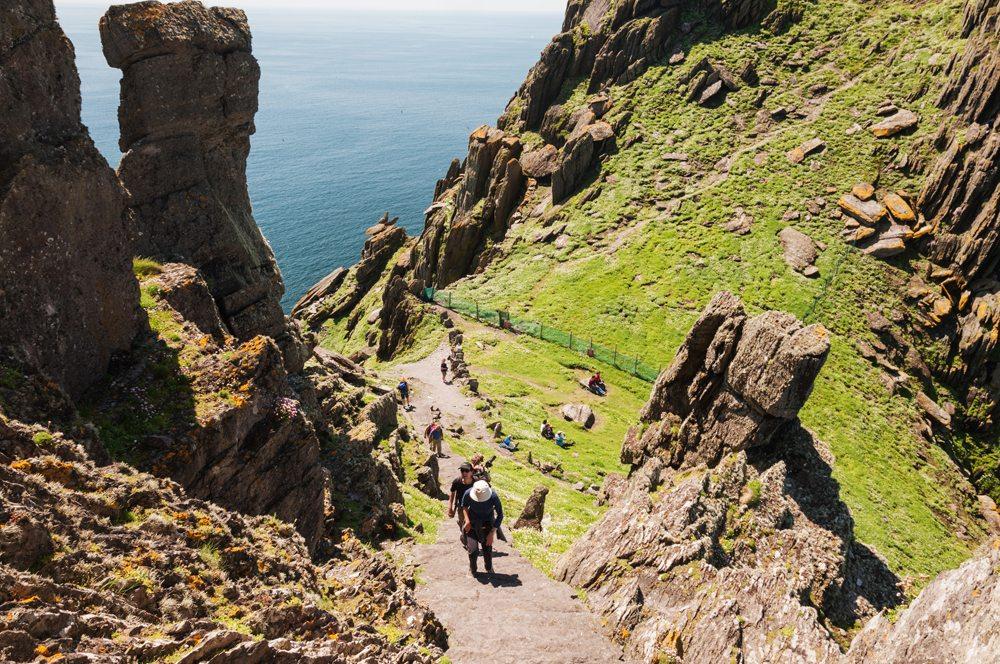 Zřícenina kláštera na ostrově Skellig Michael.