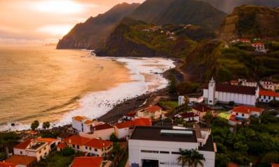 Výhled na moře u Porto da Cruz na Madeiře