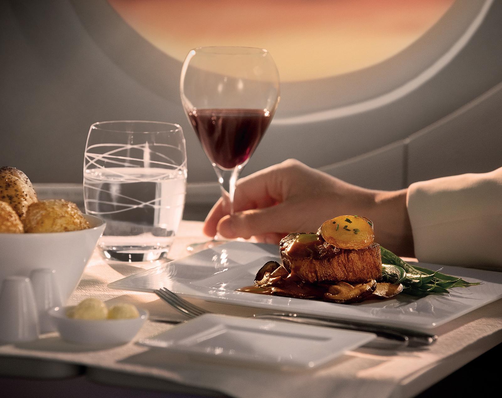 Jídlo na palubě Qatar Airways