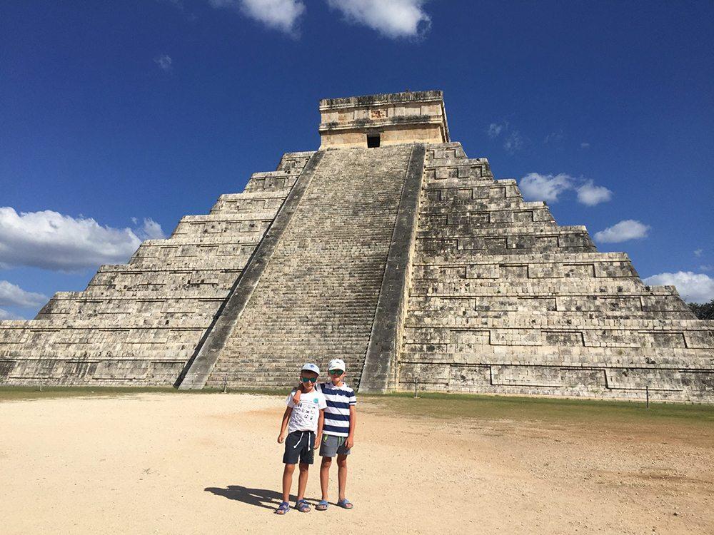 Chlapci v Mexiku.
