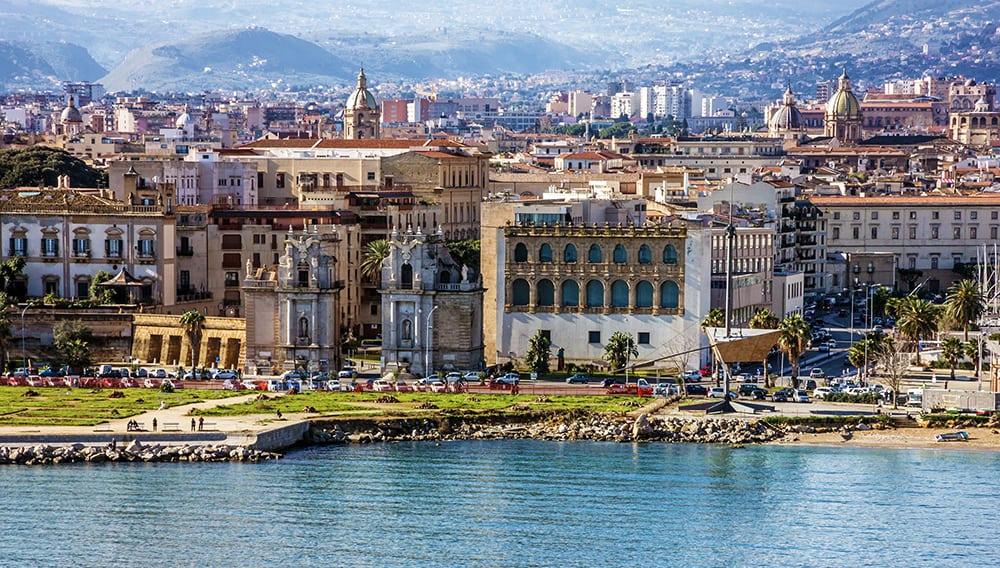 Panorama města Palermo.