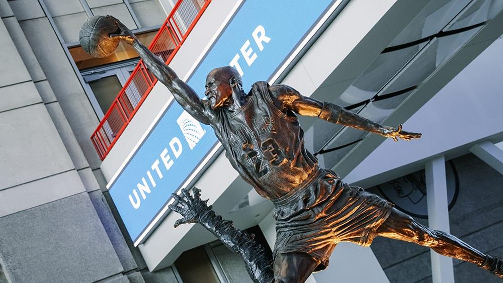 Socha Michaela Jordana v United Center.