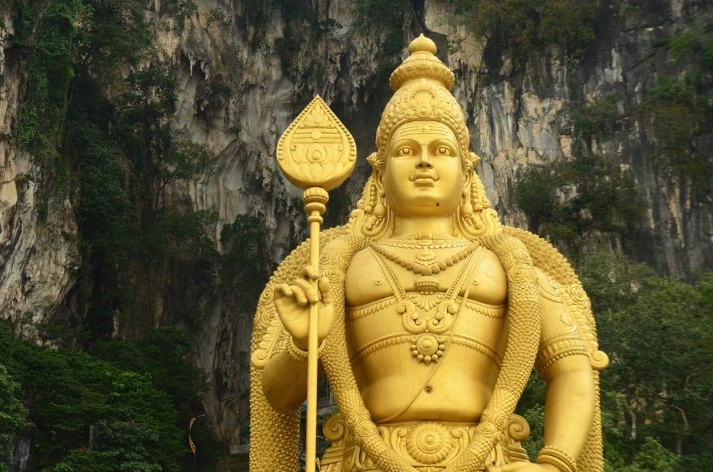 Jeskyně Batu Caves se nachází na okraji Kuala Lumpuru