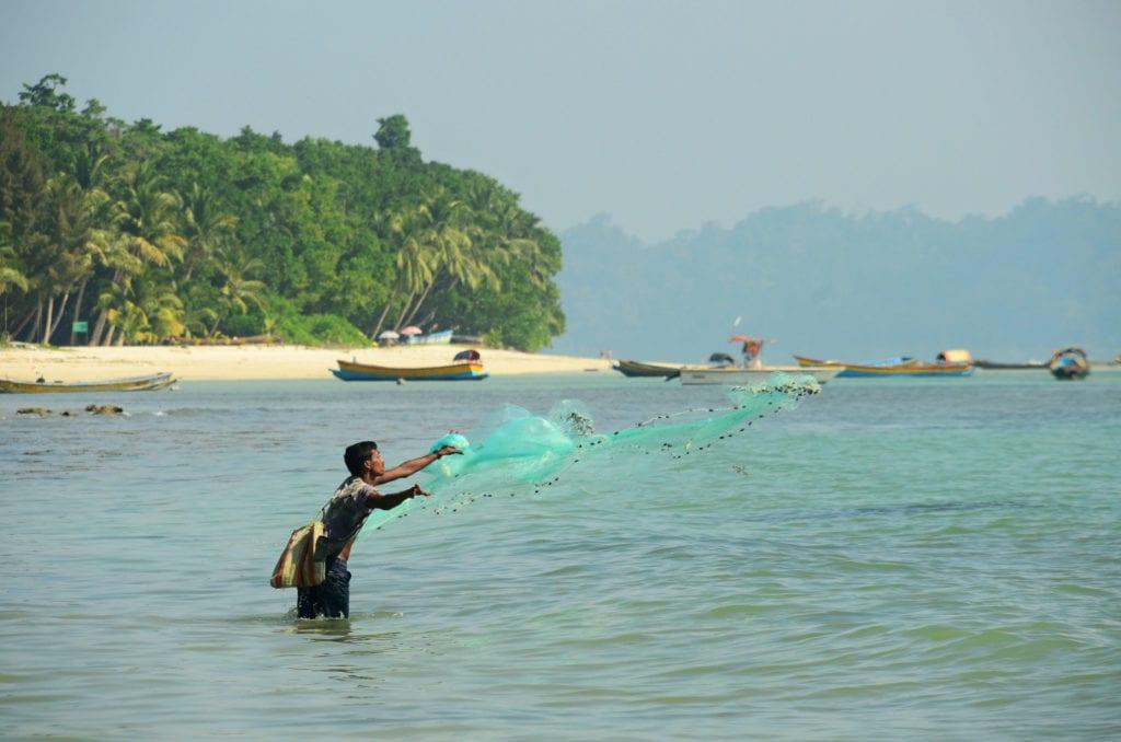Indický rybář na ostrově Havelock