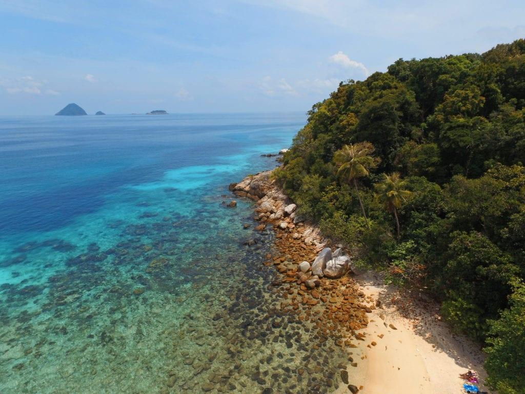 Azurové moře malajských ostrovů