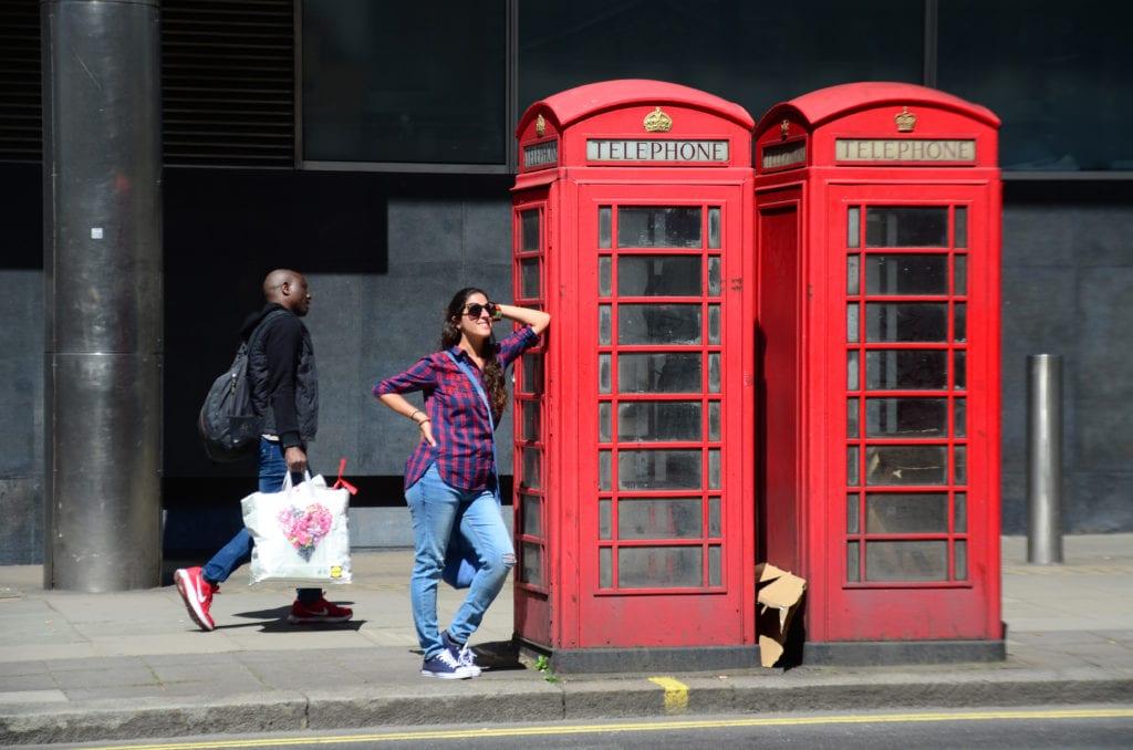 Londýn a jeho typické červené telefonní budky