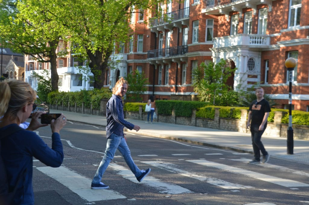 Projdi se po slavném přechodu na Abbey Road