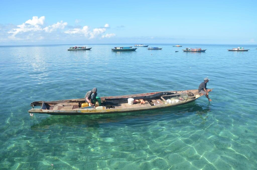 Za plážemi na ostrov Borneo