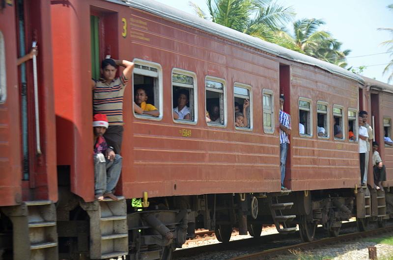 Srílanské vlaky jsou velmi zábavným dopravním prostředkem