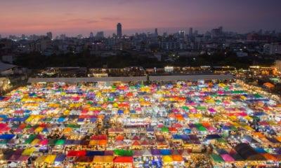 Noční trh v Bangkoku