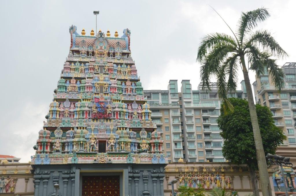 Barevný hinduistický chrám