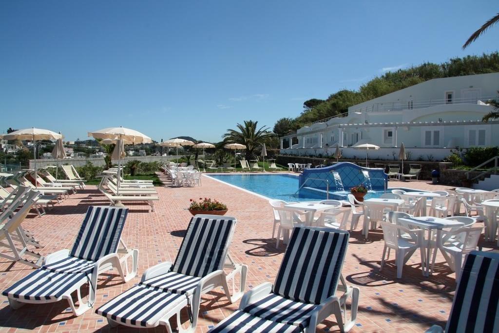 Bazén hotelu Albatros.