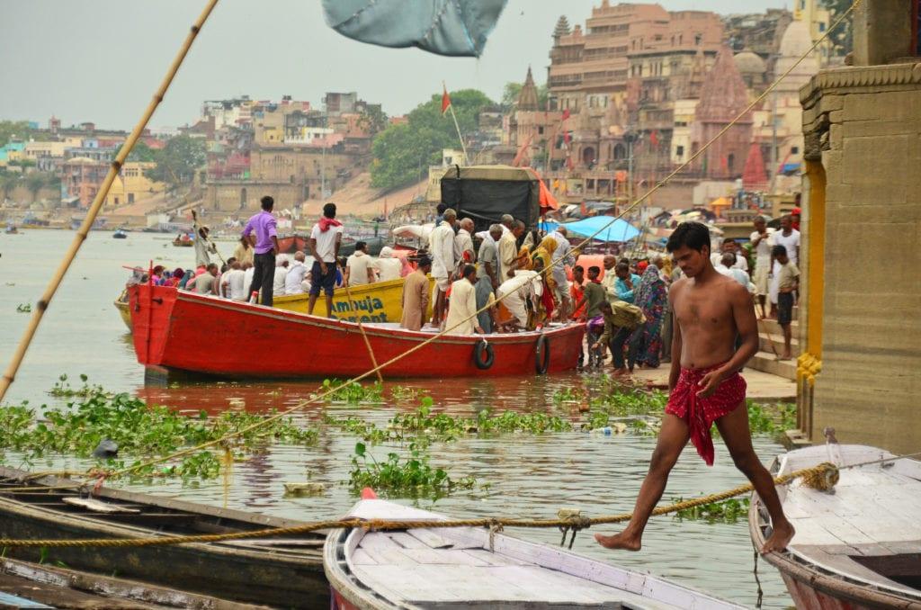 Váránasí u posvátné řeky Gangy