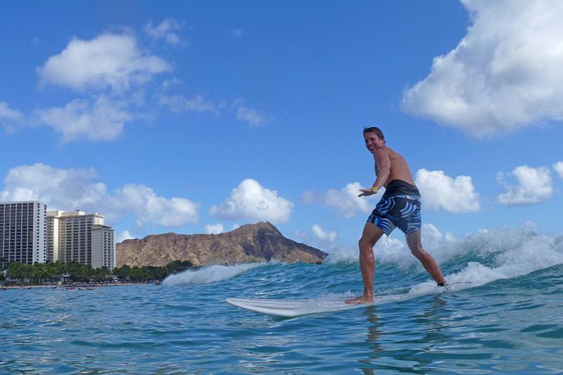Na Havajských ostrovech se naučí surfovat každý!