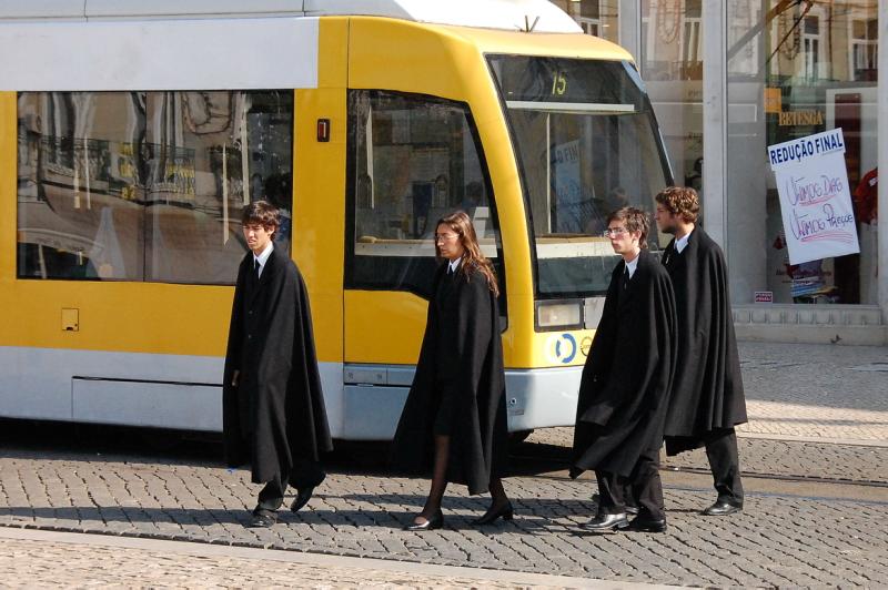 Portugalští studenti vypadají jak z filmu Harry Potter