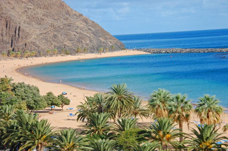 Půjč si auto a oběť nejlepší pláže na ostrově