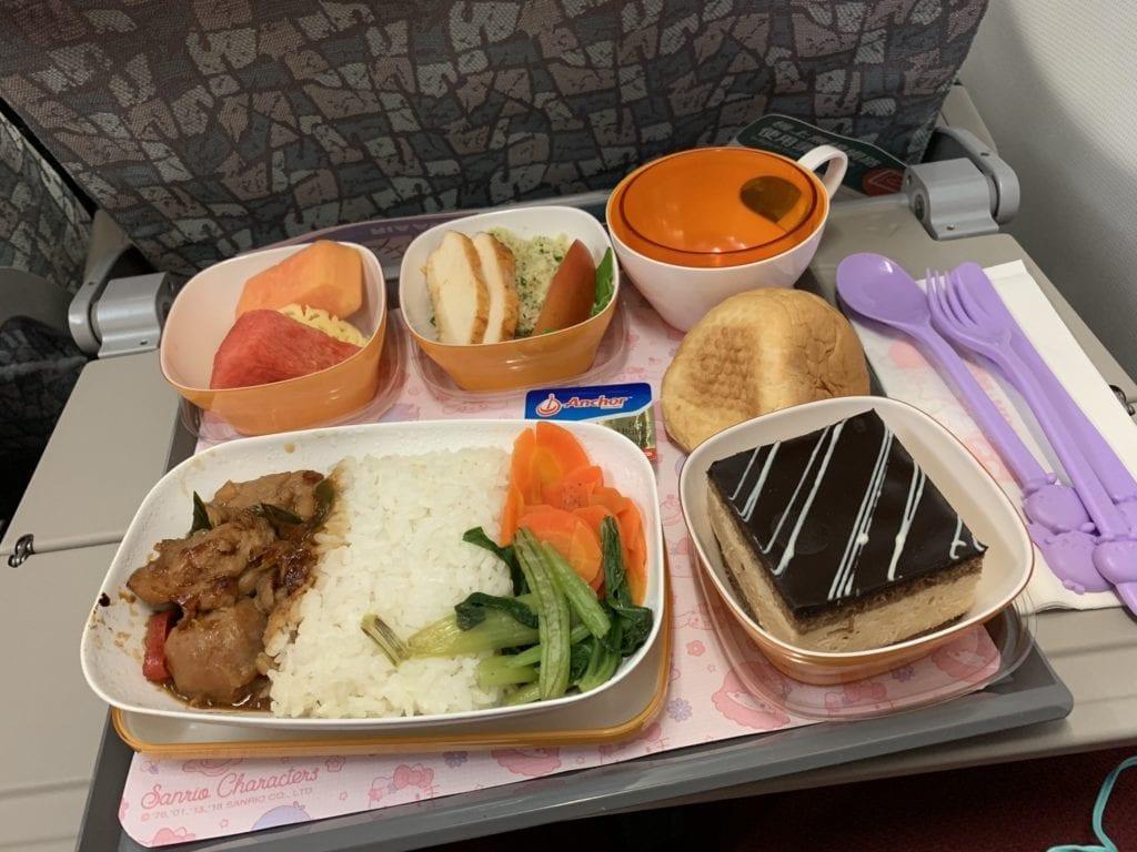 Jídlo v ekonomické třídě Eva Air