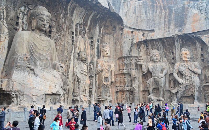 Jeskyně tisíců Buddhů v Long-menu