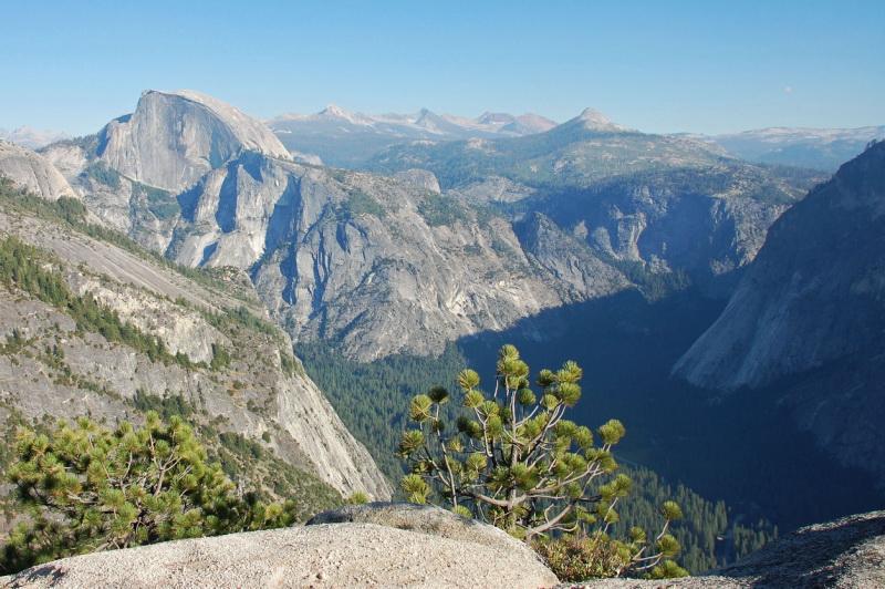 Pohled na Yosemitský národní park a jeho údolí
