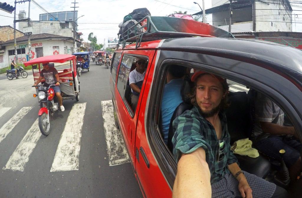 Místní doprava v tropickém Iquitos