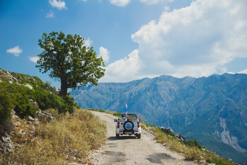 Silnice v horách mají nižší kvalitu, občas budeš potřebovat jeep