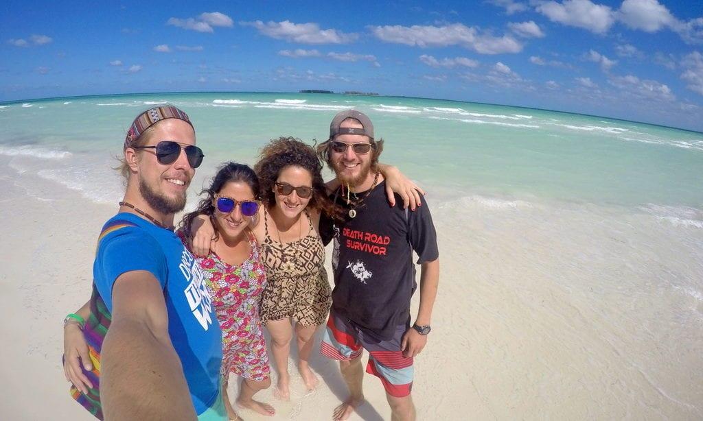 Kuba a nádherná barva Karibského moře