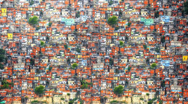 Brazilské favely jsou vidět všude kolem