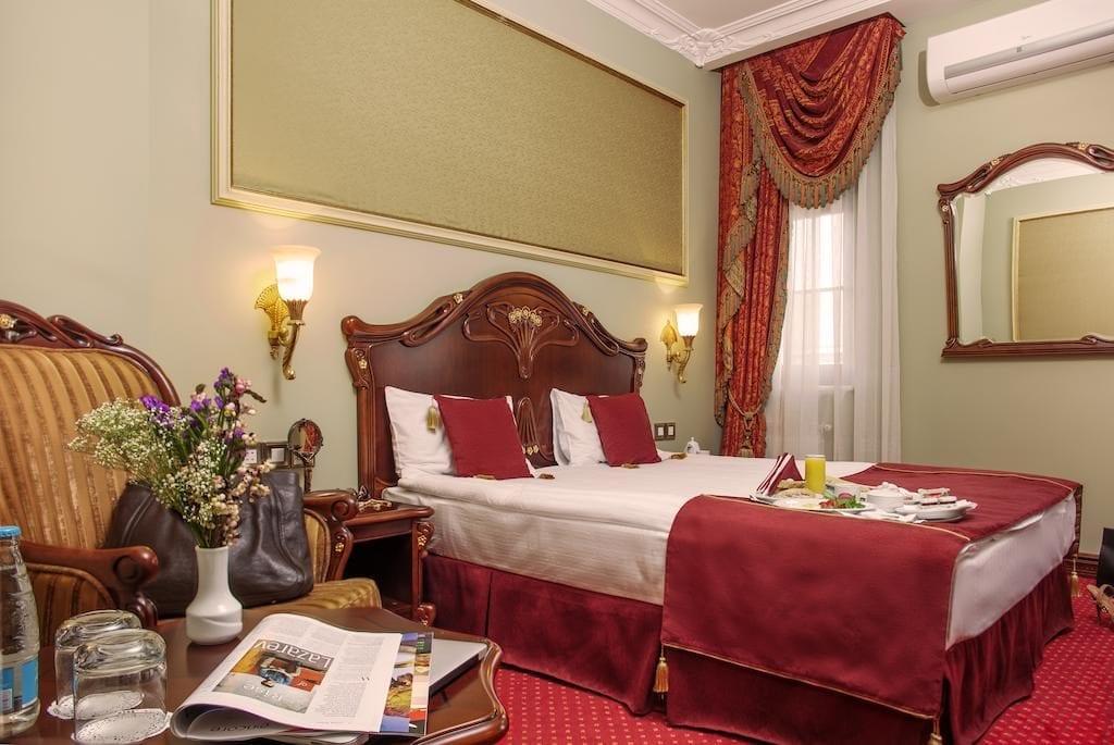 Pokoj hotelu Staro v Kyjevě.