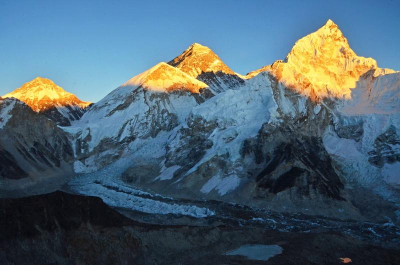 Západ slunce a Mount Everest z vrcholu Kalapathar
