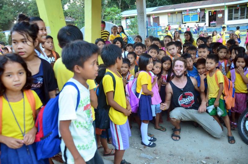 Největší radost z naší návštěvy měly tradičně děti ve školách