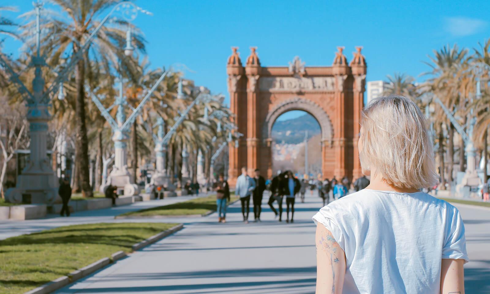 Turistka v Barceloně.