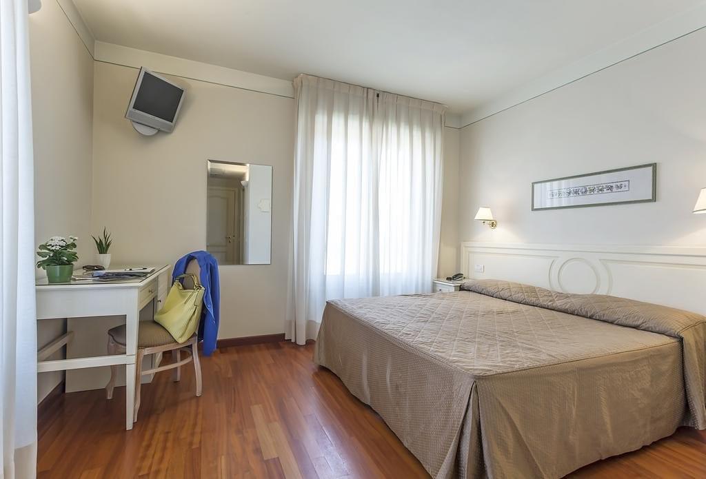 Pokoj Standard v hotelu Grand Hotel Bonanno.